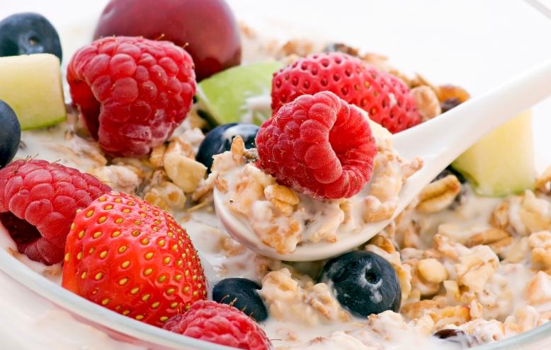 Ontbijtgranen met fruit