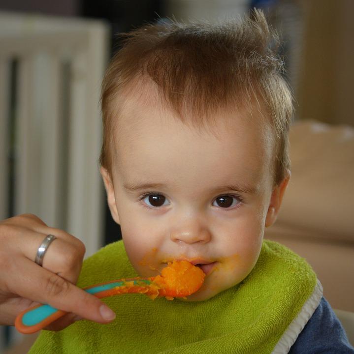 Kind leren eten