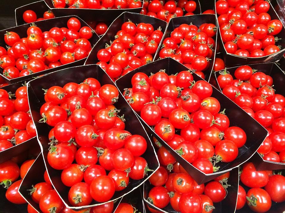 Mini-tomaatjes als tussendoortje