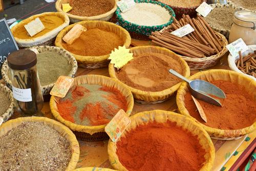 Verschillende ingrediënten voor kruidenmix