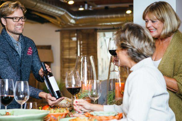 wijn serveren bij gerechten