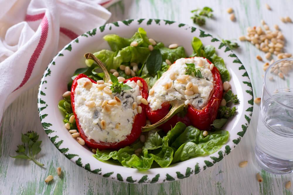 Gevulde paprika's met pijnboompitten
