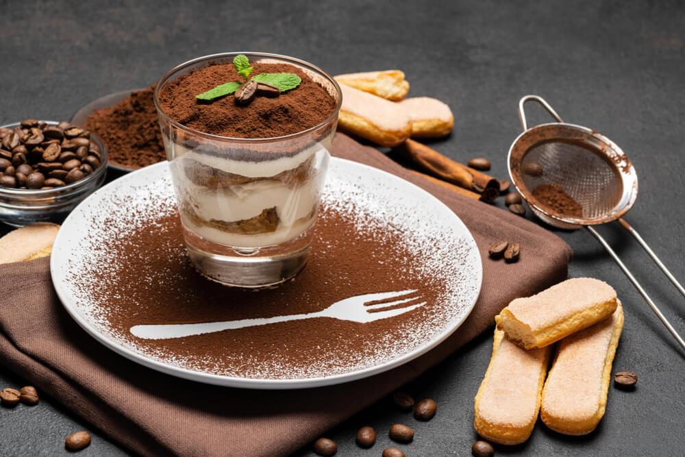 Tiramisu met Amaretto, een alcoholisch dessert